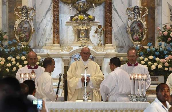Pope Francis says Mass at the Minor Basilica