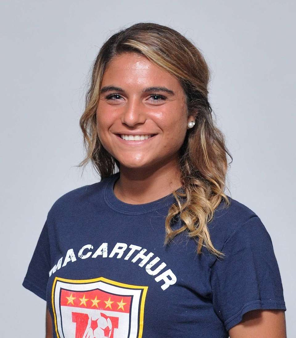 Arianna Montefusco shoots with force and accuracy, leading
