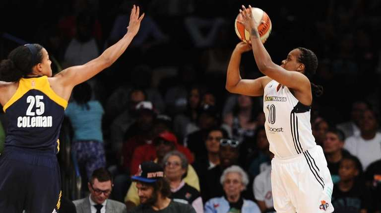 Epiphanny Prince of the New York Liberty shoots