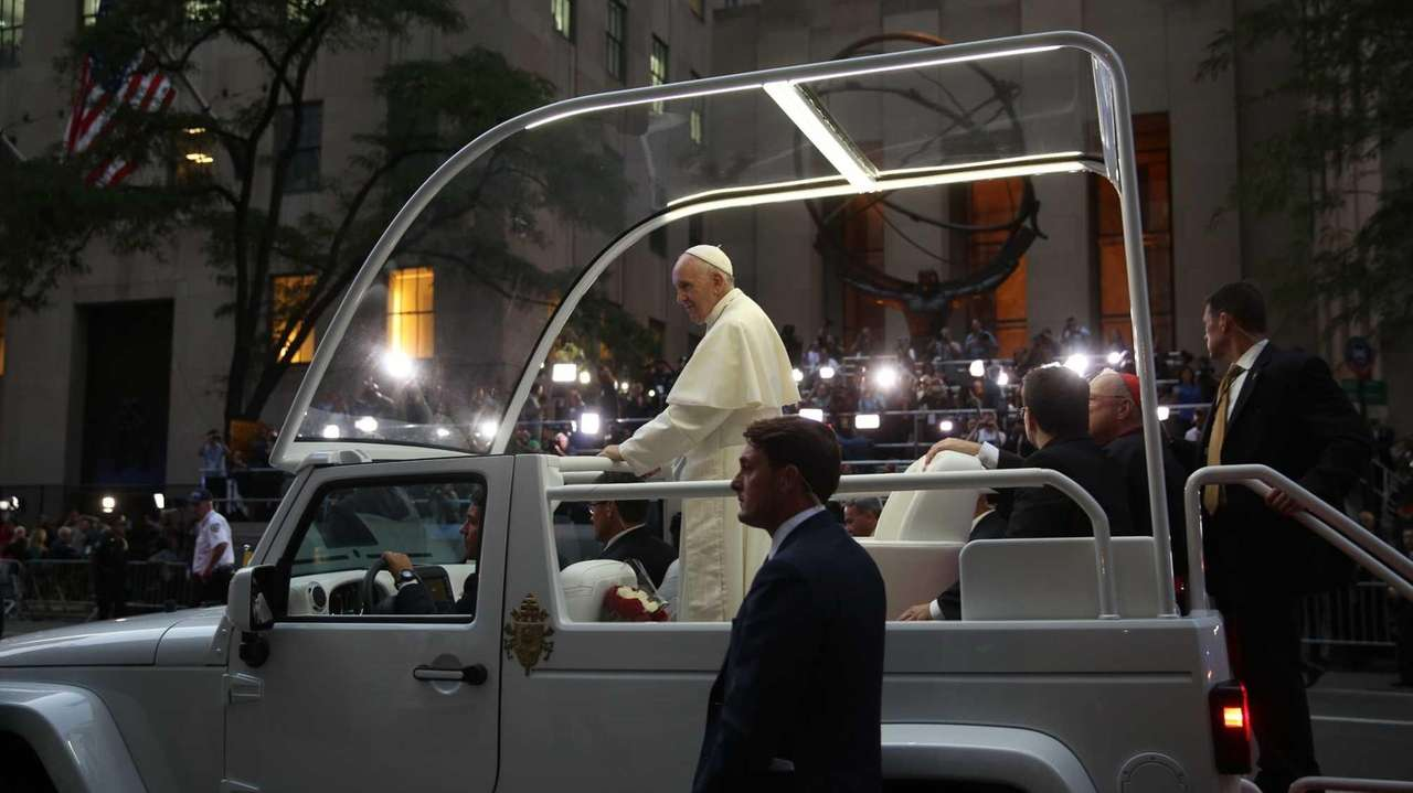 Pope Francis stops outside St. Patrick's Cathedral in