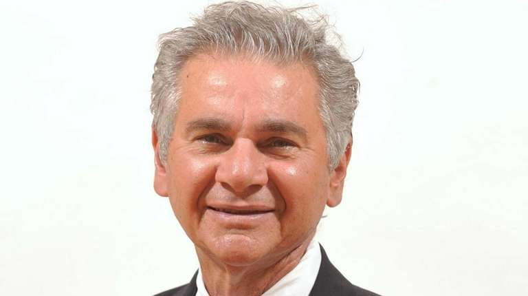 Opponents of Glen Cove Mayor Reginald Spinello are