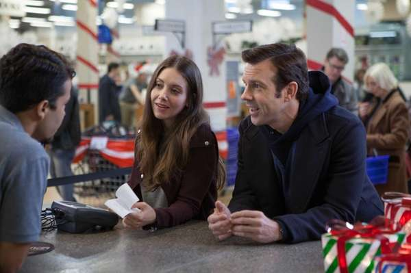 Alison Brie and Jason Sudeikis in