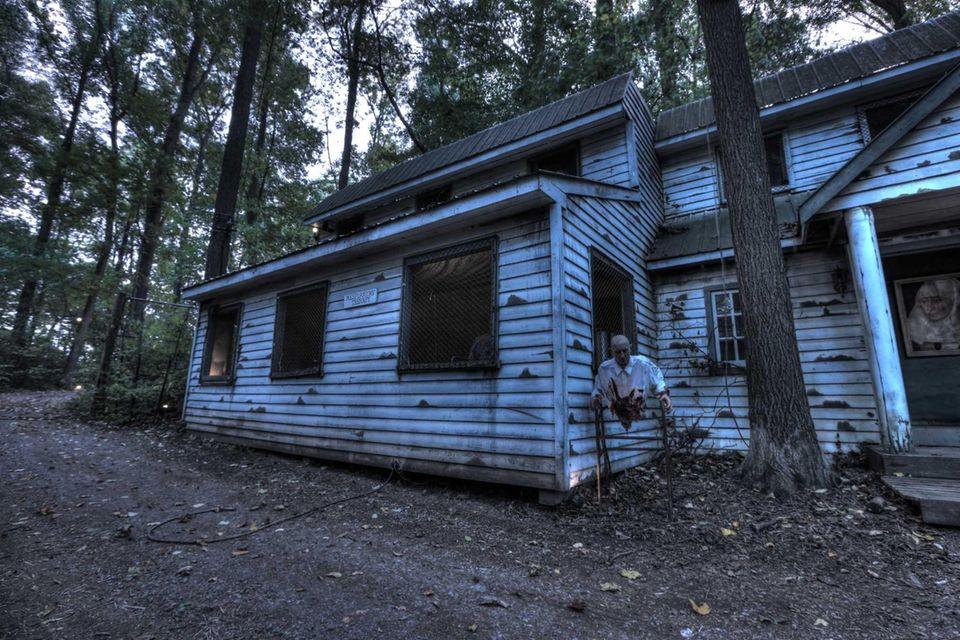 The Bates Motel and Haunted Hayride (Arasapha Farm,