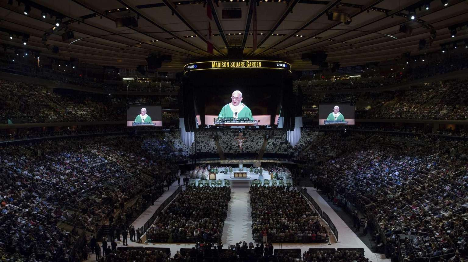 Pope asks faithful to break out of 'Big City' isolation