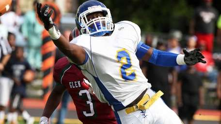 Roosevelt's Quran Simmons just has the ball elude
