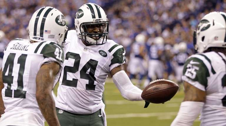 New York Jets cornerback Darrelle Revis (24) celebrates