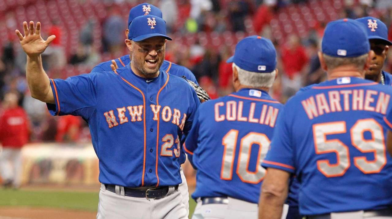 Micahel Cuddyer #23 of New York Mets celebrate