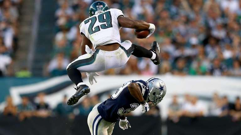 DeMarco Murray of the Philadelphia Eagles leaps over