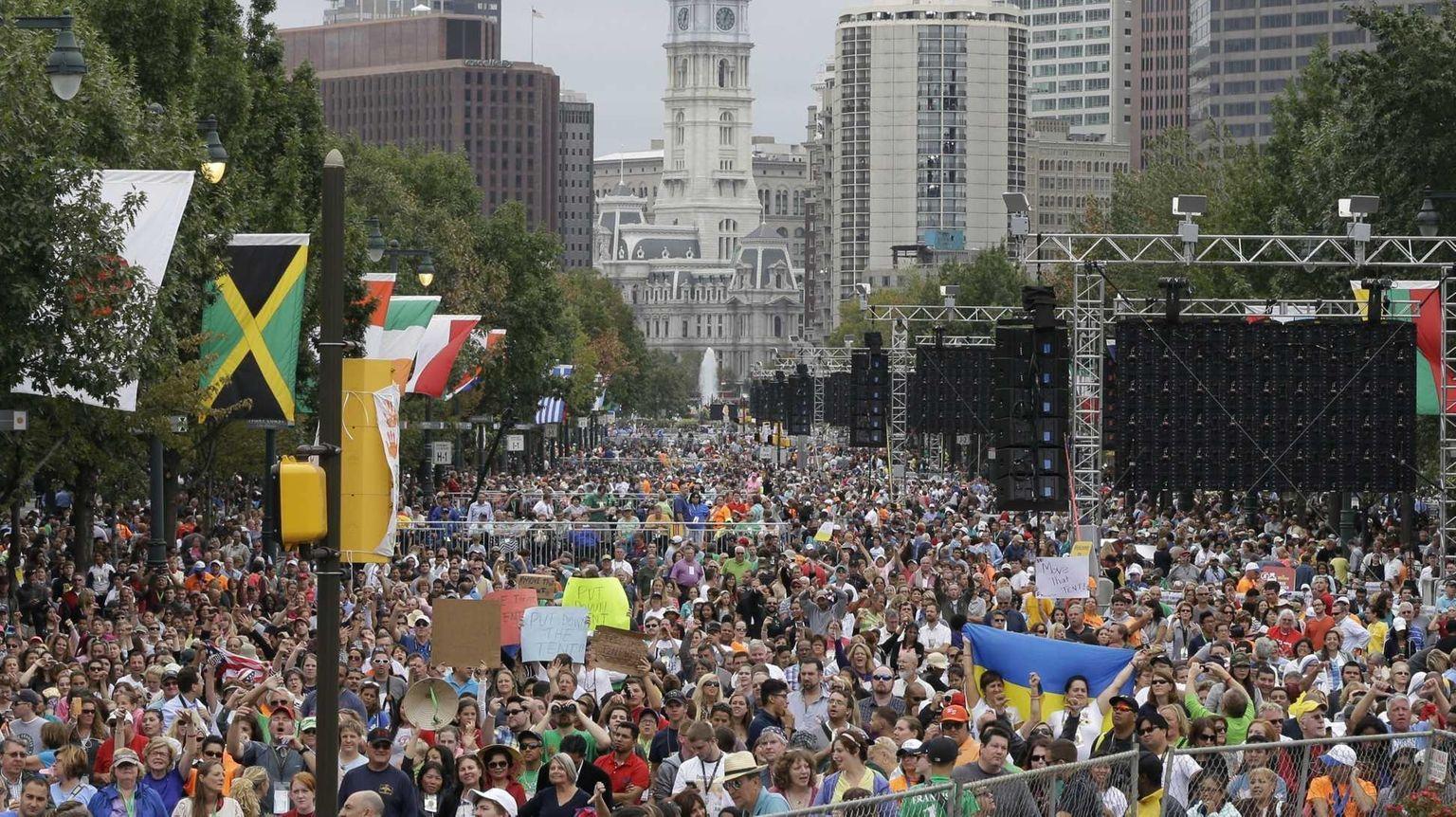 Pope's final U.S. Mass attracts nearly 1 million in Philadelphia
