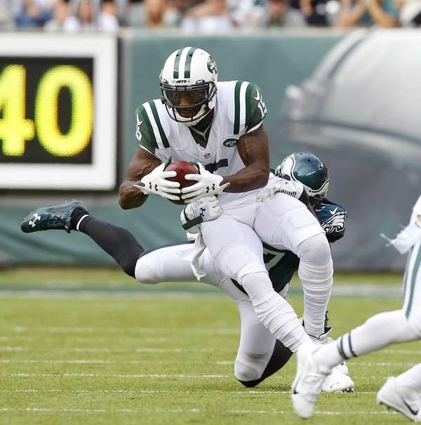 Brandon Marshall of the New York Jets runs