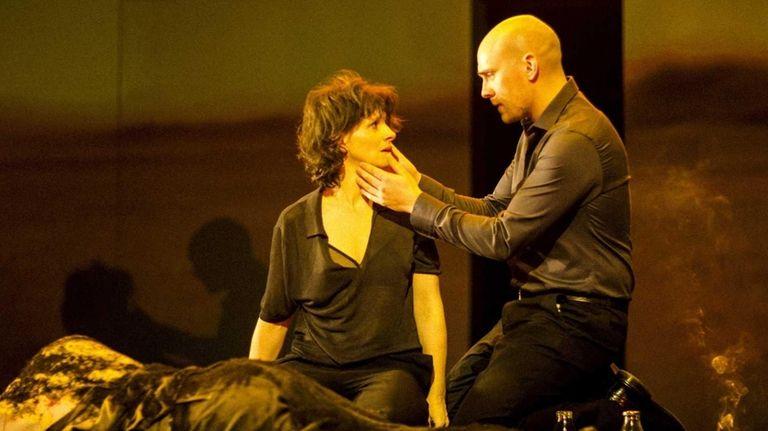 Juliette Binoche and Patrick O'Kane in a scene
