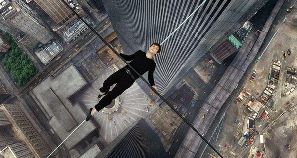 Joseph Gordon-Levitt portrays Philippe Petite in