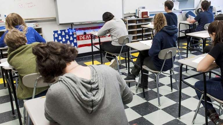 Eighth-grade students at Pierson Middle School in Sag