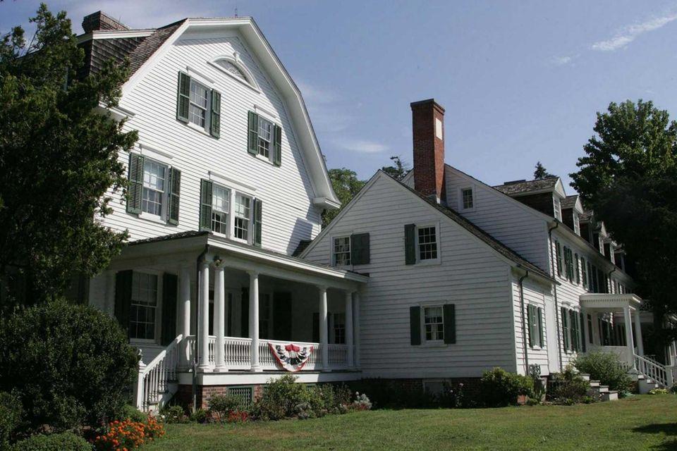 Sagtikos Manor in Bay Shore, a historic building
