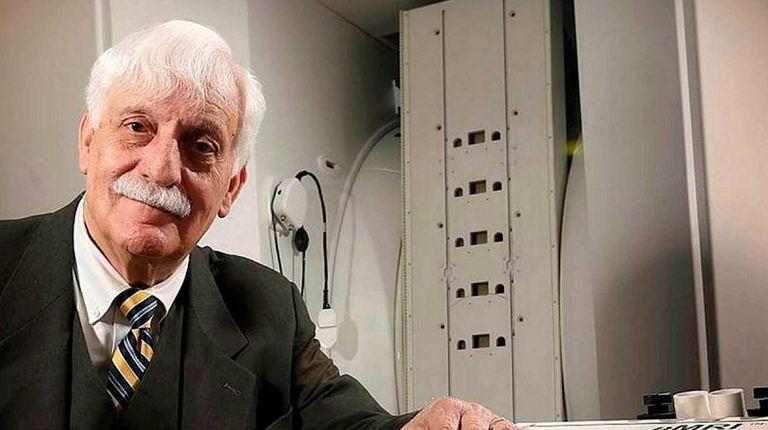 MRI pioneer Dr. Raymond Damadian at Fonar Corp.'s