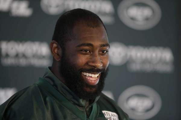 New York Jets cornerback Darrelle Revis speaks during