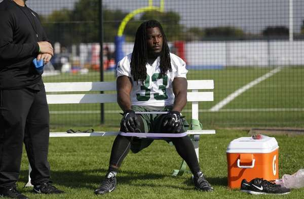 New York Jets' running back Chris Ivory uses