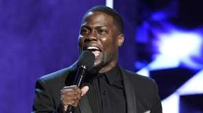 Kevin Hart speaks at the Comedy Central Roast