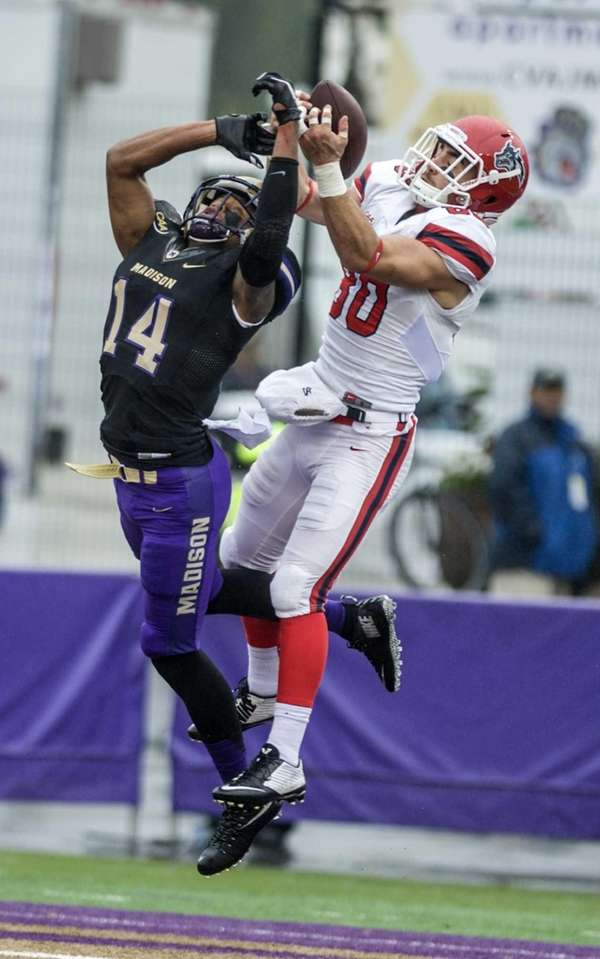 Stony Brook wide receiver Steve Marino makes a