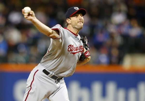 Max Scherzer #31 of the Washington Nationals pitches