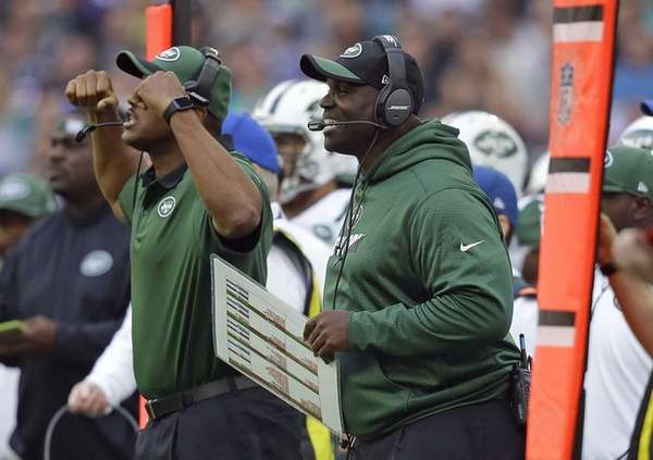 New York Jets head coach Todd Bowles, right,