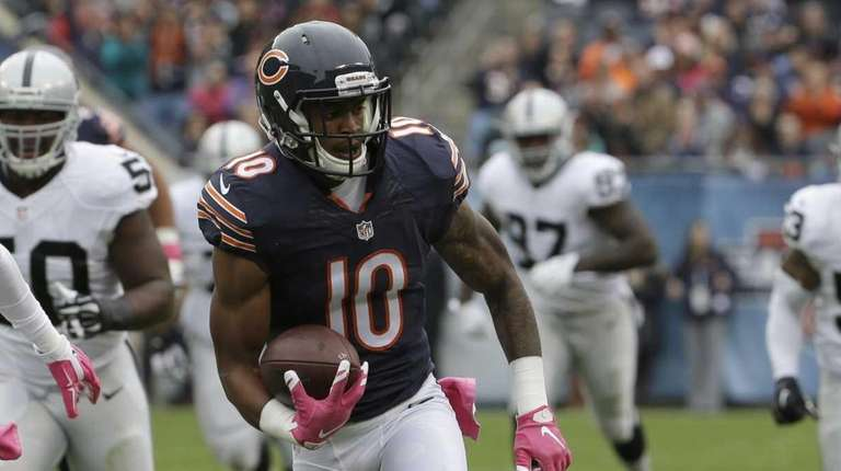 Chicago Bears wide receiver Marquess Wilson (10) runs
