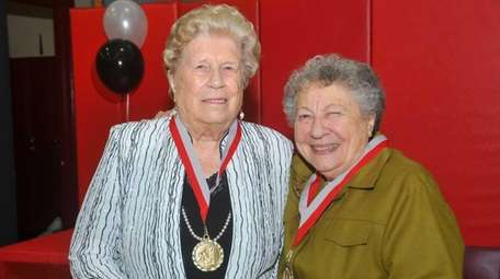 Berneice Muncy Giordano, coach of Amityville's undefeated 1946-1947