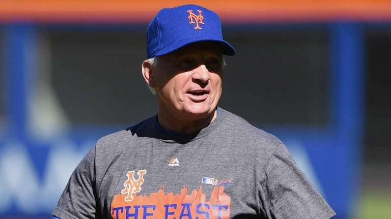 New York Mets manager Terry Collins gestures during