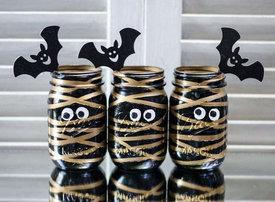 Look no further than those empty mason jars,