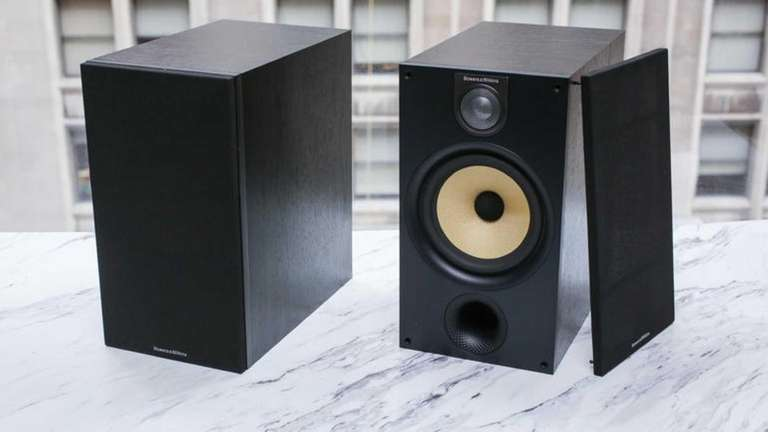 Cnet has picked Bowers and Wilkins 685 S2