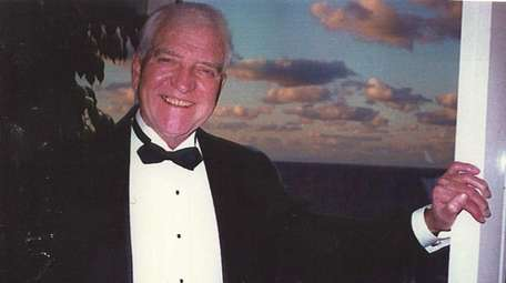 Harry Richard Smith, of Bethpage, died Saturday, Oct.