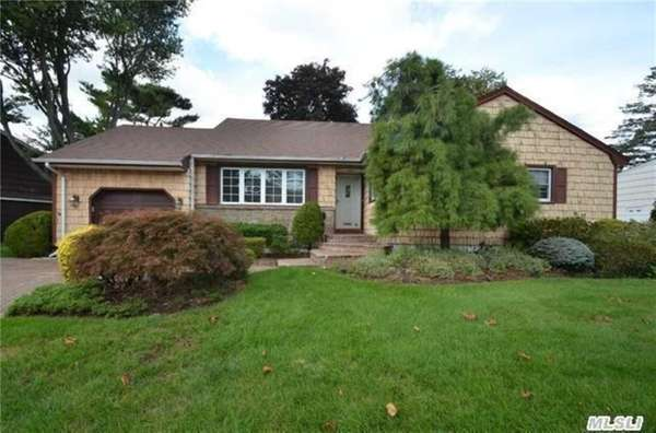This house at 1449 Garfield Rd., East Meadow,