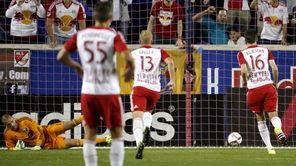 New York Red Bulls midfielder Sacha Kljestan (16)