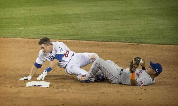 New York Mets Ruben Tejada collides with dodgers