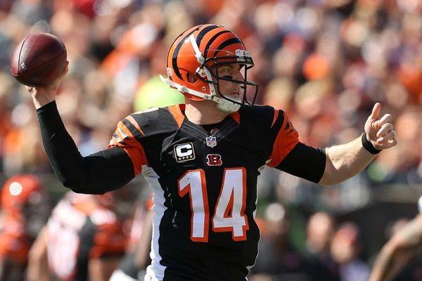 Andy Dalton #14 of the Cincinnati Bengals throws