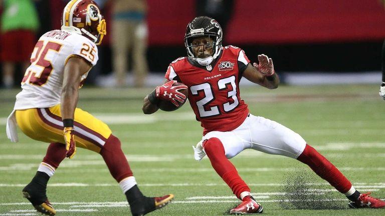 Atlanta Falcons cornerback Robert Alford (23) runs the