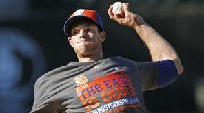 New York Mets starting pitcher Steven Matz winds