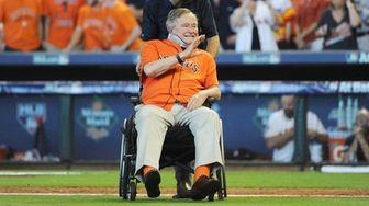 Former President George H.W. Bush is introduced prior
