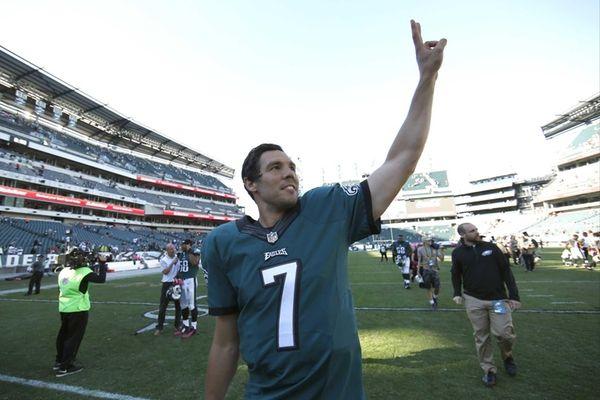 The Philadelphia Eagles' Sam Bradford gestures to the