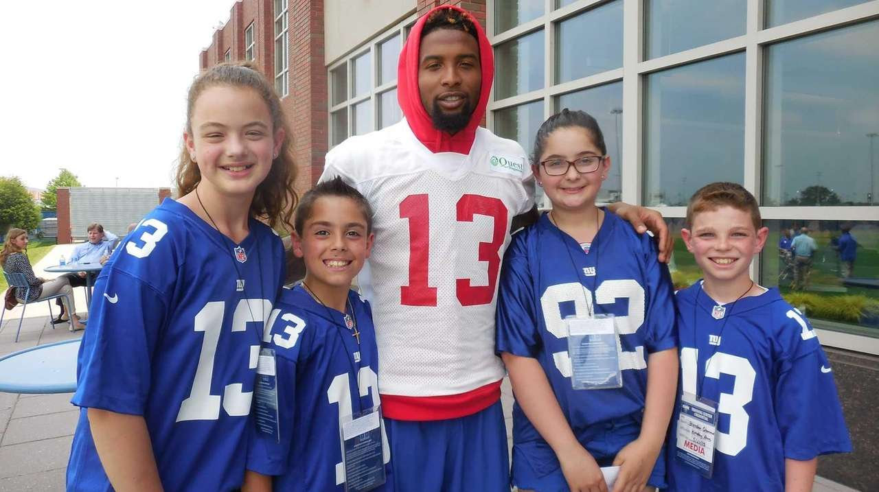 timeless design 7de9d f4e49 New York Giants wide receiver Odell Beckham Jr. talks with ...