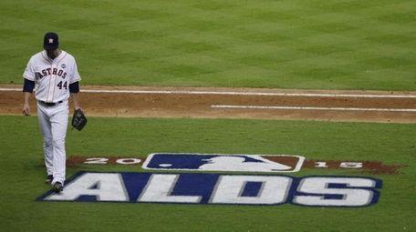 Houston Astros' Luke Gregerson (44) walks off the