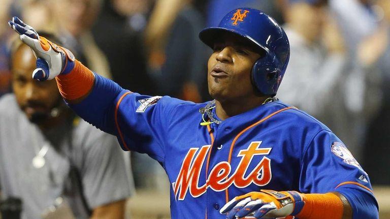 Yoenis Cespedes #52 of the New York Mets