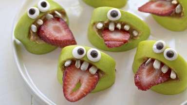 There are many healthy Halloween party foods for