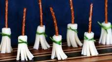There are many cute Halloween party food ideas
