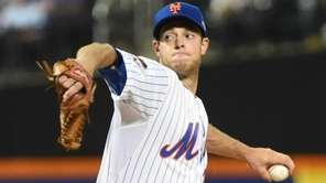 New York Mets starting pitcher Steven Matz pitches