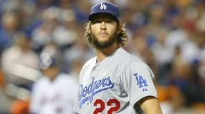 Los Angeles Dodgers starting pitcher Clayton Kershaw (22)