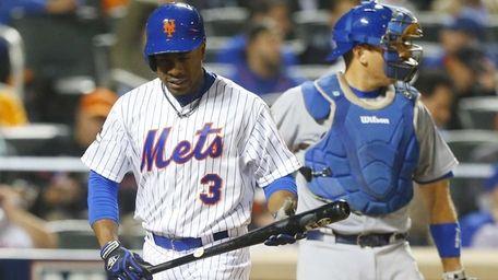 New York Mets rightfielder Curtis Granderson (3) reacts
