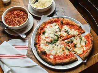 Margherita pizza with San Marzano tomato sauce, fior
