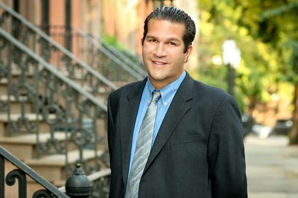 Brett Frank of Syosset has joined Town Residential