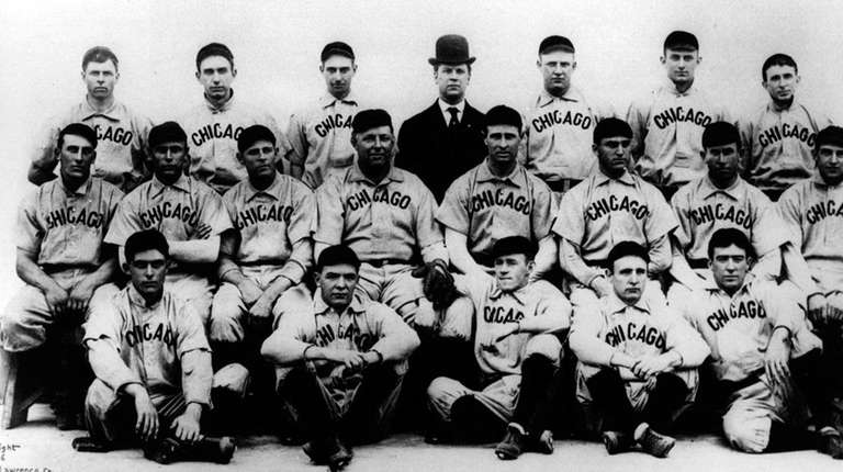 The 1908 Cubs pose for a photo.